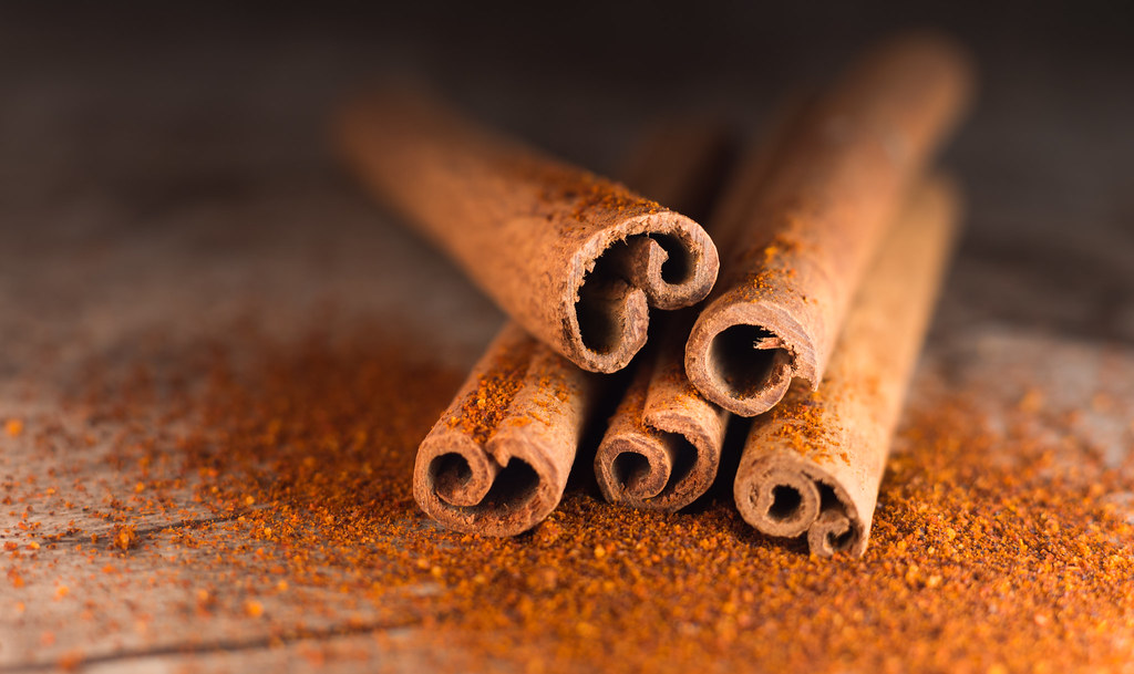 10 Cinnamon Health Benefits, Nutrition and Easy Recipes