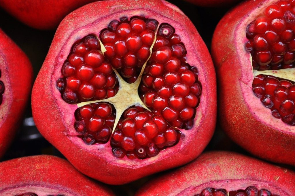 Benefits of Pomegranate - What it is for and Health Properties