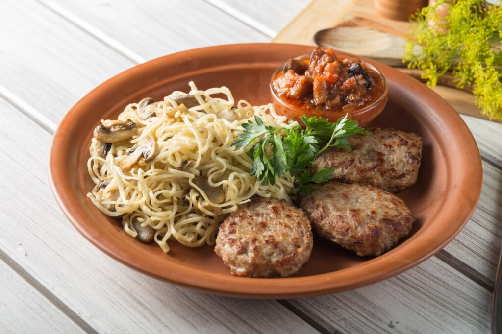 Best baked gluten-free meatball recipe made with tapioca - Very easy to make